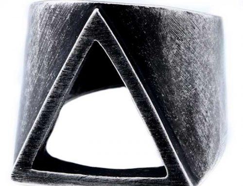 Retro Punk Hollowed Triangle Myth Space Ring